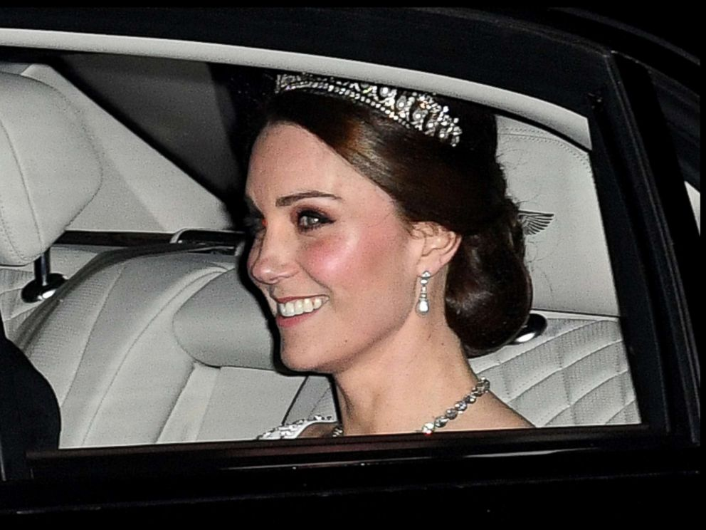 PHOTO: Kate Middleton leaves Kensington Palace to attend the Queens Diplomatic Reception at Buckingham Palace in London, Dec. 5, 2017.