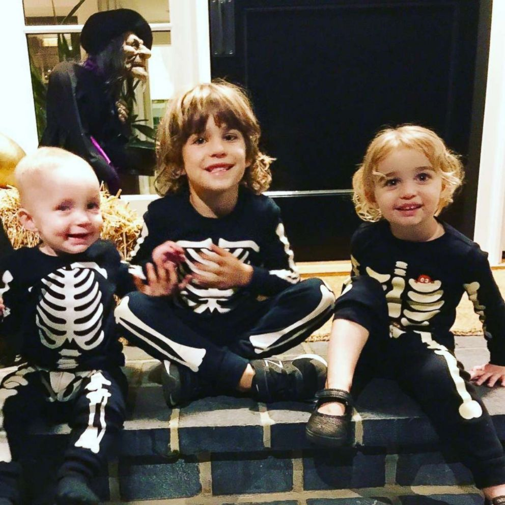 PHOTO: Molly Sims three kids Brooks, Scarlett and Grey wore matching skeleton outfits.