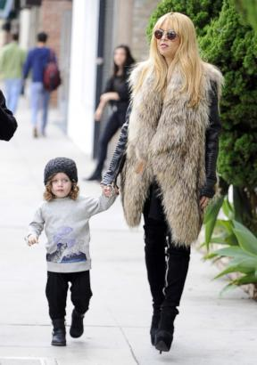 Rachel Zoe Takes Skyler for a Chic Walk