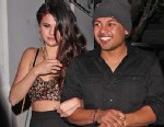PHOTO: Selena Gomez is seen leaving the Chateau Marmont with Alfredo Flores and friends after attending a Grammys after party, Feb. 10, 2013.