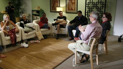 PHOTO: Dr. Drew Pinsky, far right, talks with a therapy group on an episode of 'Celebrity Rehab with Dr. Drew.'