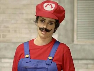 Photos: Oscar-Winning Actress Playing Super Mario?