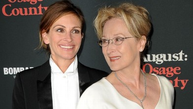 Julia Roberts and Meryl Streep Get Close