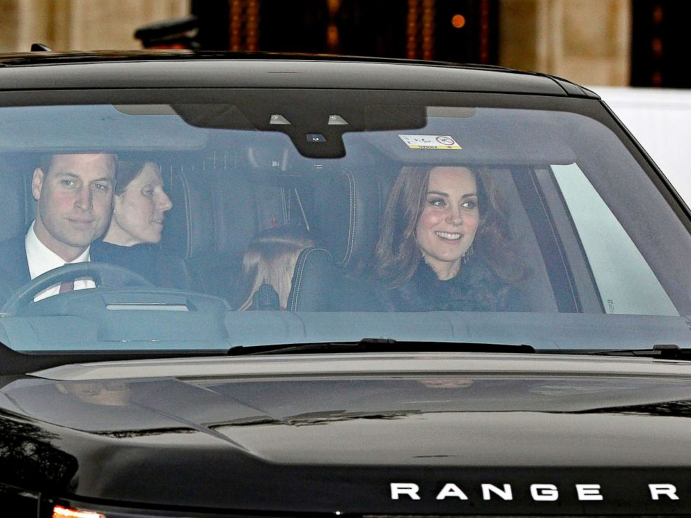 'PHOTO: Britains Prince William and Kate, Duchess of Cambridge arrive for the Queens Christmas lunch1_b@b_1Buckingham Palace, London, Dec. 20, 2017.' from the web at 'http://a.abcnews.com/images/Entertainment/prince-william-kate1-ap-ml-171220_4x3_992.jpg'
