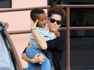 Photos: Sandra Bullock's Stroll with Son