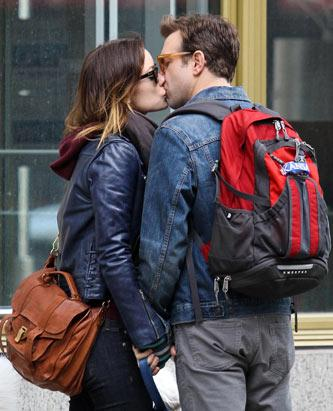 Olivia Wilde and Jason Sudeikis Share A Kiss