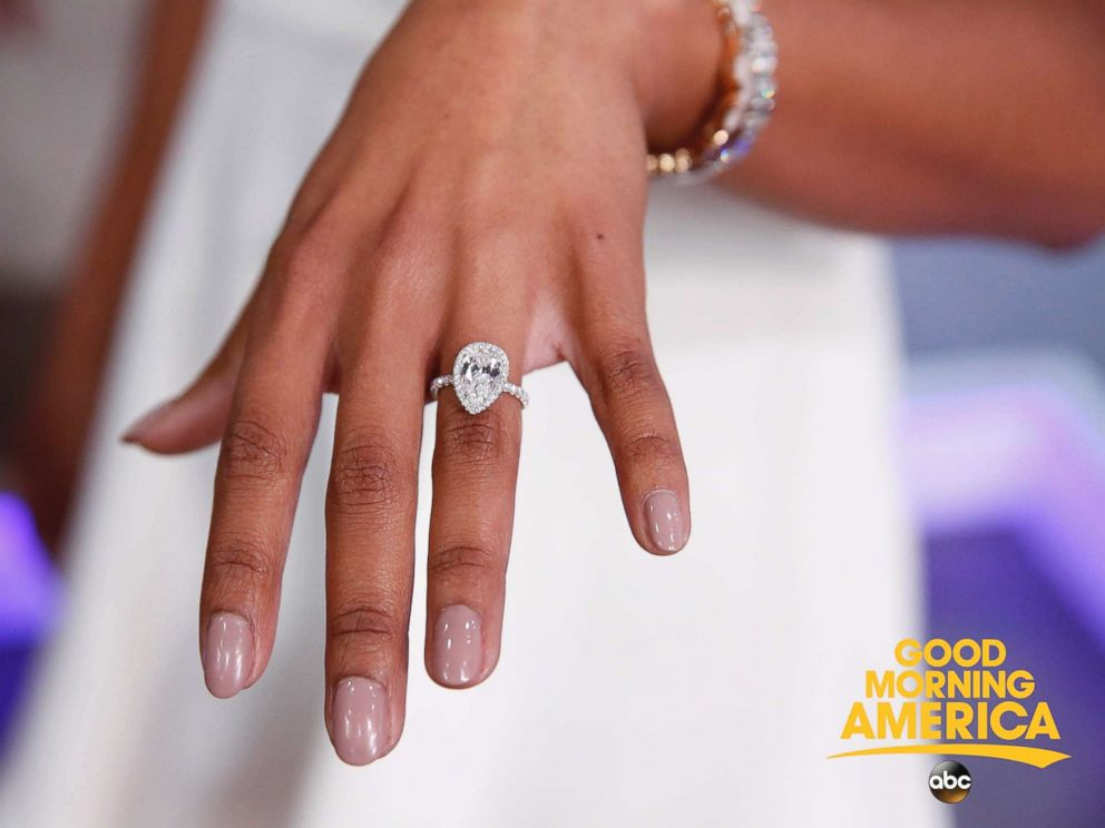 PHOTO Bryan Abasolo Proposed To Rachel Lindsay With A Pear Shaped Diamond Engagement Ring