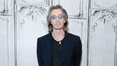 'PHOTO: Rick Springfield in New York in this Aug. 5, 2015 file photo in New York City.' from the web at 'http://a.abcnews.com/images/Entertainment/rick-springfield-gty-ml-180111_16x9t_240.jpg'
