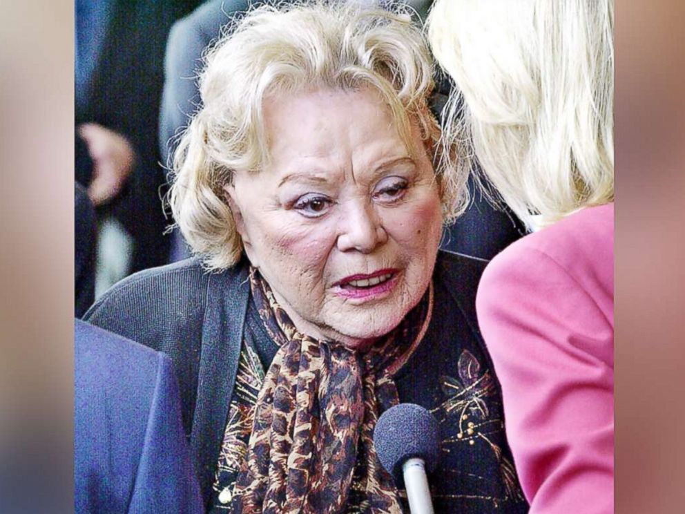 PHOTO: Rose Marie talks to the press as she arrives in Los Angeles on April 1, 2002.