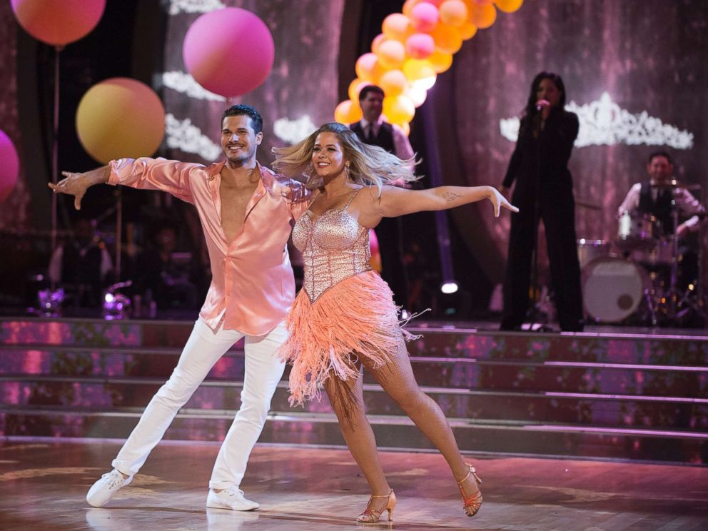 Sasha Pieterse recalls struggles with weight gain in 'DWTS' episode