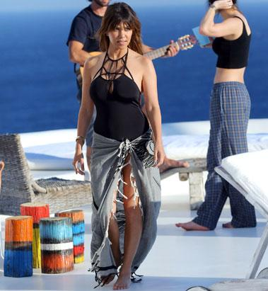 Kourtney K. Heats Up Greece