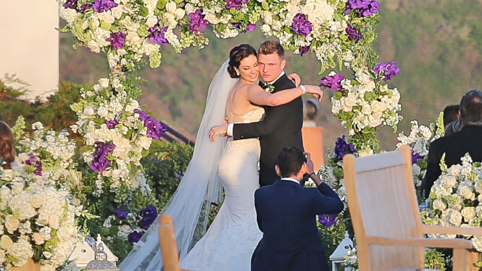 PHOTO: Nick Carter gets married to fiance Lauren Kitt in Santa Barbara, Calif, on April 12, 2014.