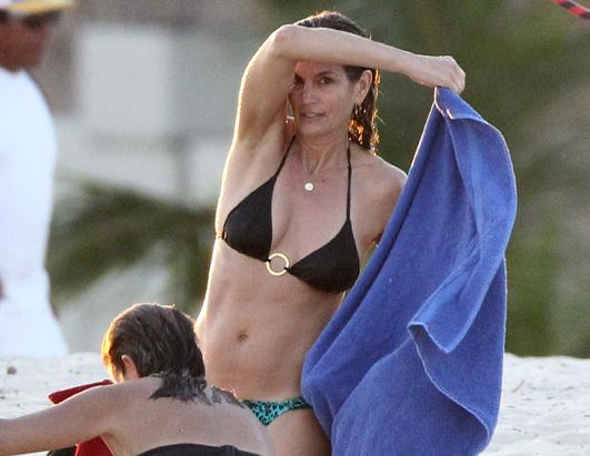 Cindy Crawford Flaunts Her Bikini Body in Mexico
