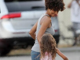 Photos: Halle Berry Has a Ball on Set