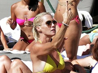 Photos: Jennie Garth's Teeny-Weeny Yellow Bikini