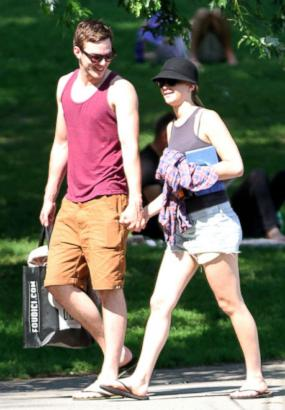 Jennifer Lawrence and Nicholas Hoult: Back On!