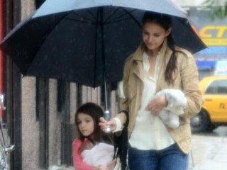 Photos: Katie and Suri's Rainy Day Stroll