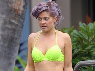 Photos: Kelly Osbourne In Neon Green Bikini