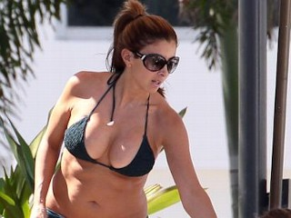 Photos: Ex-'Real Housewives' Star Shows Off Her Curves