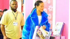 Rihanna Stays Stylish While Holiday Shopping