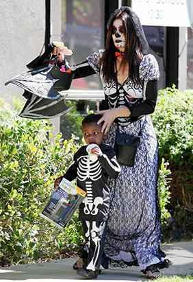 Celebrities Get Ready For Halloween