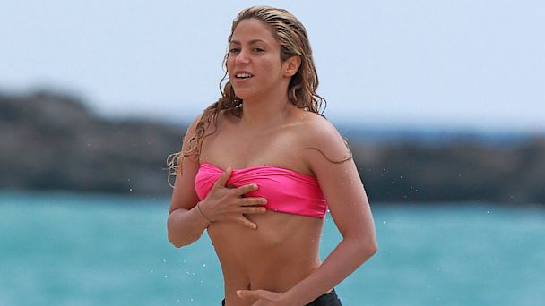 spl shakira ll 130725 16x9 608 Shakiras Amazing Bikini Body Just 6 Months After Giving Birth