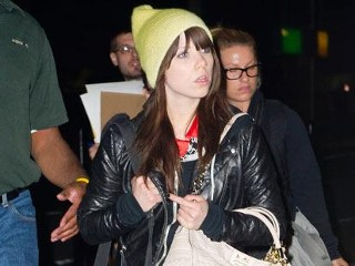 Photos: Carly Rae Jepsen Makeup Free