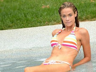 Photos: Denise Richards Shows Off Abs