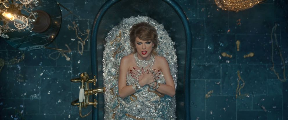 """PHOTO: Taylor Swift is pictured in an image from her """"Look What You Made Me Do"""" video posted to YouTube on Aug. 27, 2017."""