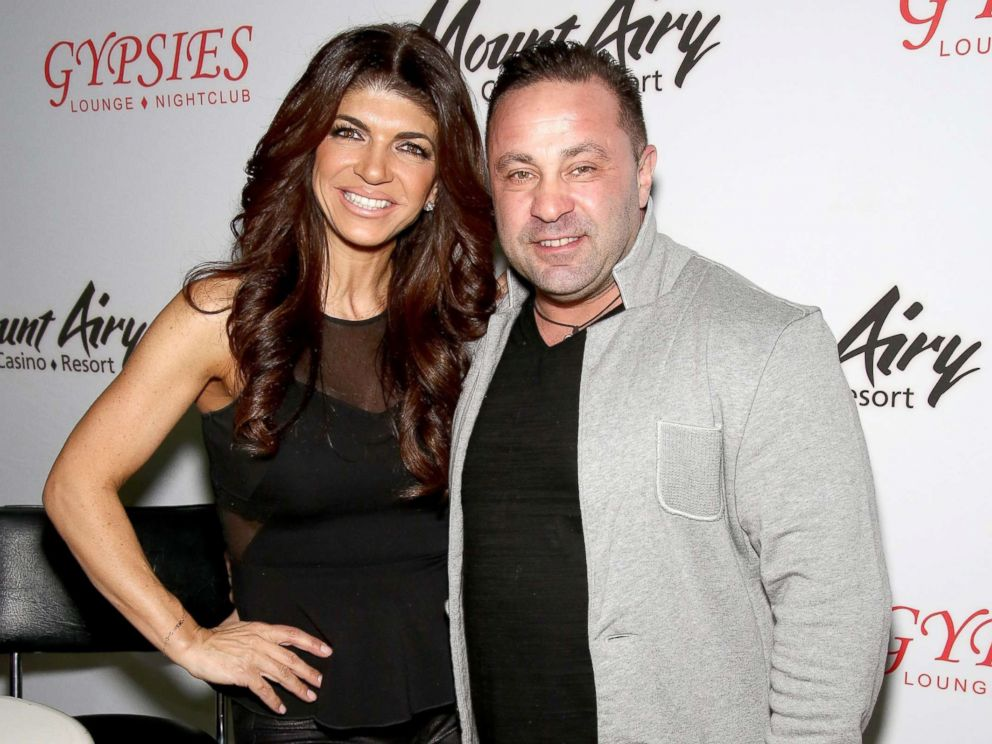 PHOTO: Teresa Giudice, (L) star of The Real Housewives of New Jersey, and Joe Giudice appears at Mount Airy Resort Casino for a book signing, March 5, 2016 in Mount Pocono, Pa.