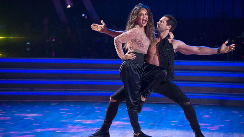 Dances Partner - Maksim Chmerkovskiy apologizes to 'Dancing With the Stars' partner Vanessa  Lachey
