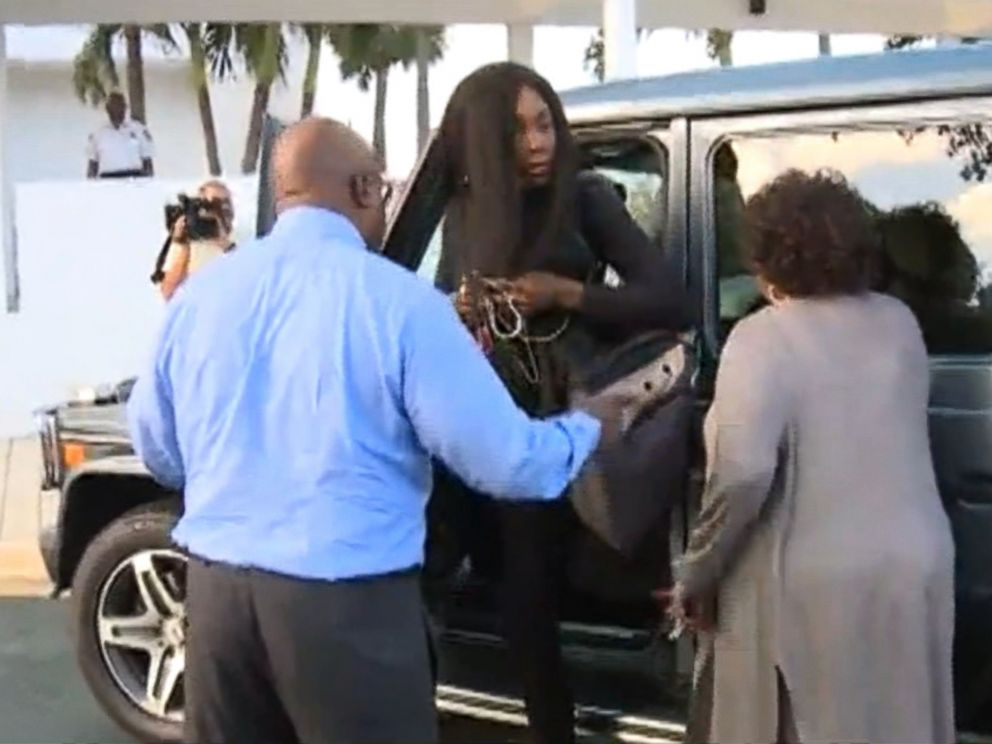 PHOTO: Venus Williams arrives at her lawyers office in West Palm Beach, Florida on Nov. 9, 2017.