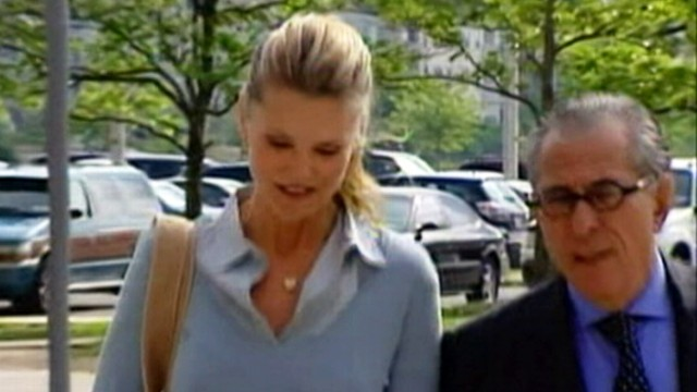 VIDEO: IRS filed a lien against the supermodel for more than 500,000 dollars in back taxes.