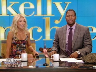 Watch: Michael Strahan Joins 'Live!' With Kelly Ripa