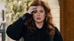 'PHOTO: Debra Messing in' from the web at 'http://a.abcnews.com/images/Entertainment/will-and-grace-debra-messing-ht-jt-180109_16x9t_240.jpg'