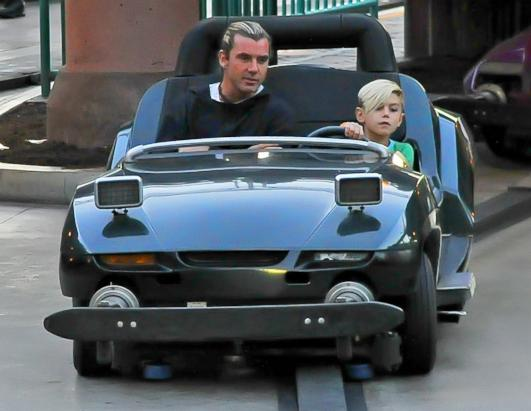 Gavin Rossdale takes a spin with his son at Disneyland
