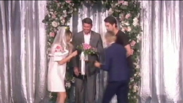 VIDEO: Ellen DeGeneres offered wedding day practice to the actress and her fiance Ryan Sweeting.