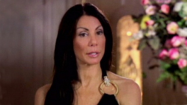 VIDEO: Danielle Staub reportedly signed deal to strip at N.Y. gentlemans club.