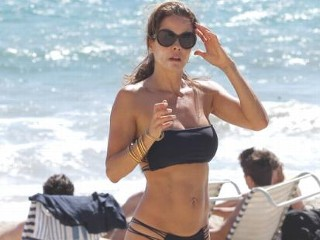 Photos: Brooke Burke's Blazing Bikini