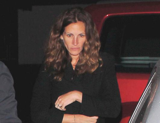 Julia Roberts Spotted Bare-Faced