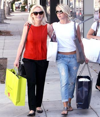 Julianne Hough Shopping With Her Mom