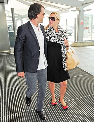 Pregnant Kate Winslet Arrives In London