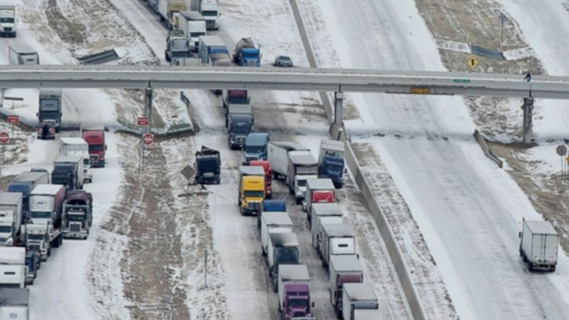 Video: Deep Freeze Hits US, Causes Massive Pile-Ups