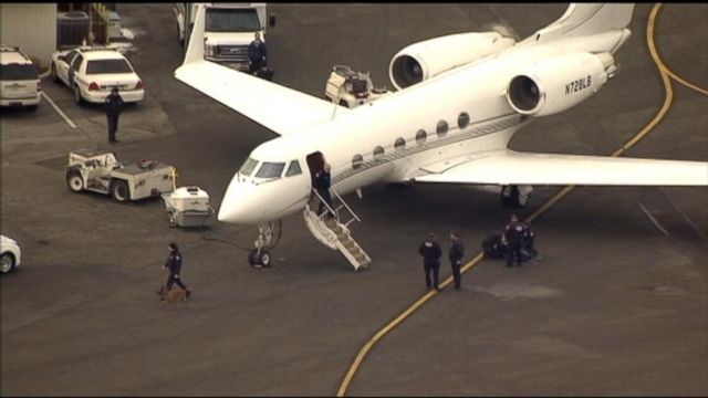VIDEO: Justin Biebers Private Plane Searched For Illegal Drugs