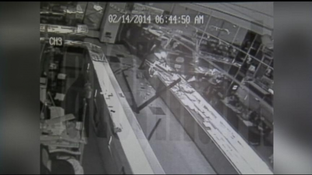 VIDEO: Jewelry Store Heist Caught on Camera
