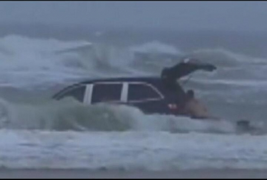 VIDEO: Mother, Kids Rescued After Minivan Driven Into Ocean