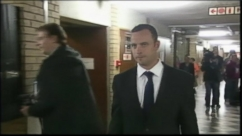 VIDEO: Grisly Crime Scene Photos Shown in Pistorius Trial