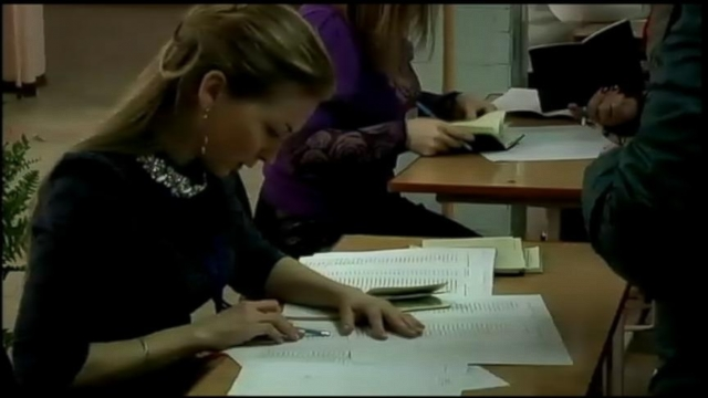 VIDEO: Crimea Residents Vote on Whether to Leave Ukraine and Join Russia