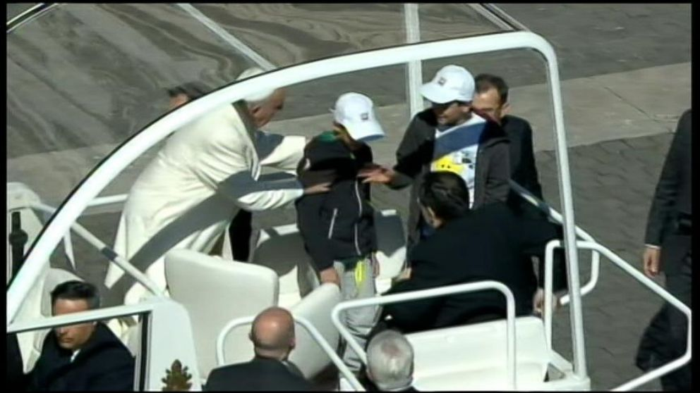 VIDEO: Pope Gives Kids a Ride
