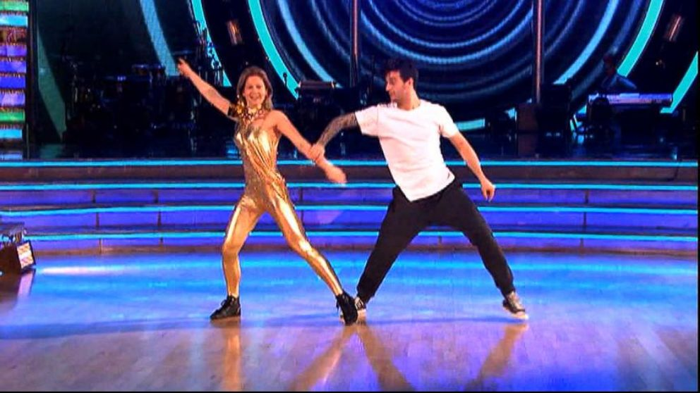 VIDEO: Celebrity dancers prepare for the final dance competition of the season.